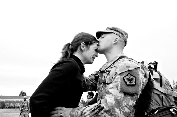 A_soldiers_farewell_tiabennett_2007